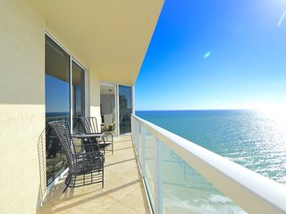 Amazing ocean views - corner unit - wraparound balcony.