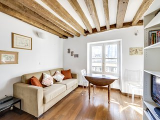 UNIT002 - Saint Germain des Près (Saints Pères) 1 bedroom 4 pax