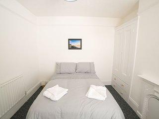 (DR5) Darlington, Comfy, Central, Newly Refurbished