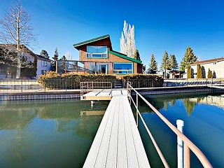 4BR Waterfront House in Tahoe Keys