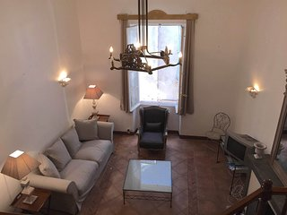 Antibes Holiday Apartment, Old Town, large 3 bedroom