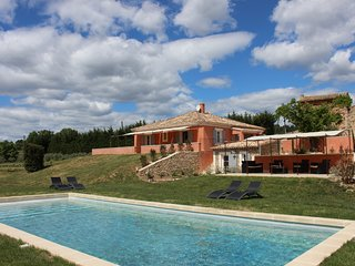 LS2-258 ESTIRAIRE Amazing vacation rental in the maazing village of Roussillon