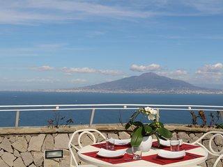 MiraSorrento, amazing view on the Gulf of Naples