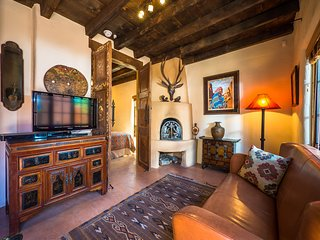 Two Casitas-Desert Sky-Sweet Retreat Across from Santa Fe River Trail