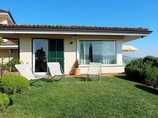 2 bedroom Villa in Muscatel, Piedmont, Italy : ref 5443135