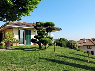 2 bedroom Villa in Muscatel, Piedmont, Italy - 5443135