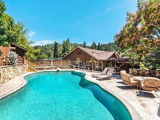 Impressive Rocktop Lodge on Russian River with Pool, Hot Tub & Guest Suite
