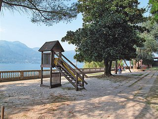2 bedroom Apartment in Porto Valtravaglia, Lombardy, Italy - 5440949
