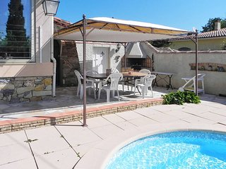 4 bedroom Villa in Gareoult, Provence-Alpes-Cote d'Azur, France : ref 5437057