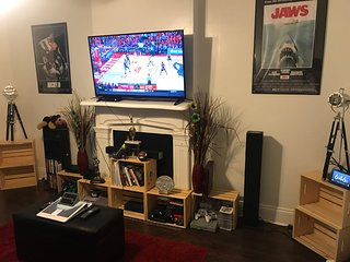 Home away from home (retro game room)