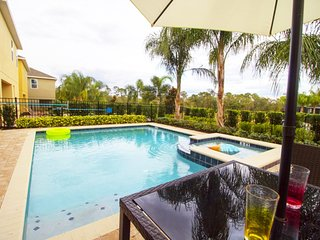 ACO PREMIUM – 8Bd with Pool and Game Room (1764)