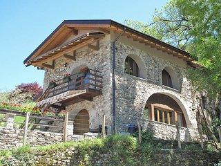 2 bedroom Villa in Castello dell'Acqua, Lombardy, Italy : ref 5440844