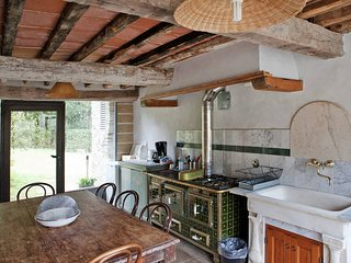 5 bedroom Apartment in San Polo in Chianti, Tuscany, Italy : ref 5446895