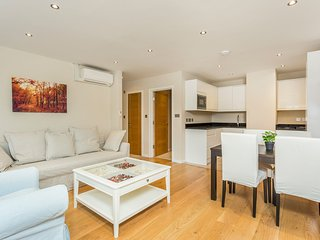 Apartment in London with Internet, Air conditioning, Lift, Balcony (642088)