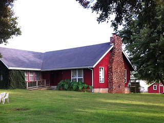 Stirling Cottage at Ozark Highland Farms