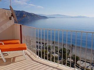 Velilla Beach II, Piscina, WiFi, A/C, Parking, Vista Mar, primera linea la Playa