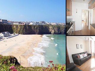 ROCKPOOLS - 3 BEDROOMS sleeps 6 NEXT TO TOLCARNE BEACH, PARKING, WIFI,TOWN 5mins
