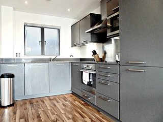 Apartment in London with Internet, Lift, Washing machine (740954)