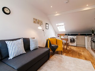 Apartment in London with Internet, Washing machine (463811)