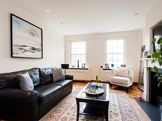Apartment in London with Internet, Lift, Balcony, Washing machine (675645)
