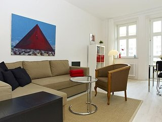 Apartment 760 m from the center of Berlin with Internet, Lift, Terrace, Washing
