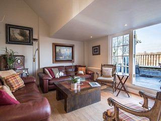 Amazing 3bed 2bath duplex w/terrace in Hampstead