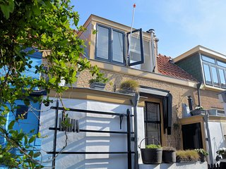 In The Hague with Internet, Parking, Terrace, Garden (503670)
