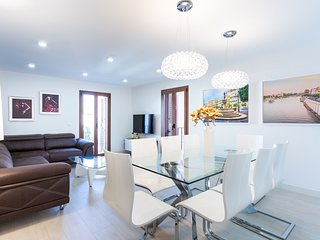 Apartment in the center of Seville with Internet, Air conditioning, Lift, Balcon