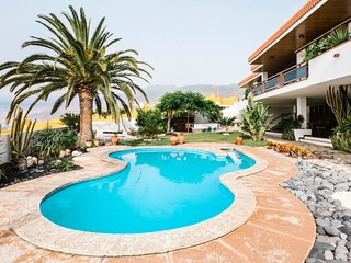 1 bedroom Apartment with Pool, WiFi and Walk to Beach & Shops - 5043397