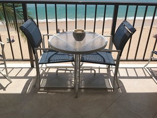 AWESOME 2 BEACHFRONT CONDO-ALL BELLS & WHISTLES!GORGEOUS BEACH/OCEAN/SUNSET VIEW