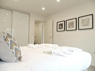 Apartment in London with Internet, Lift, Washing machine (740656)