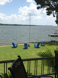 eautiful view of Cedar Creek Lake from the back porch! Fire pit by the water.