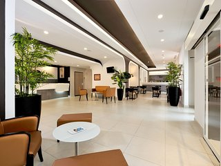 Apartment in the center of Cannes with Internet, Parking, Balcony, Washing machi