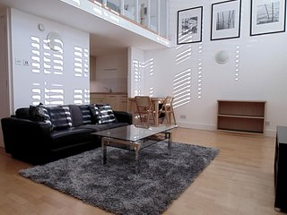 Apartment in London with Internet, Lift, Washing machine (740933)