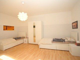 1.2 km from the center of Hanover with Internet, Parking, Washing machine (52486