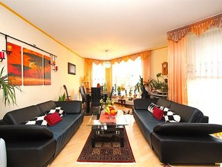 In Hanover with Internet, Parking, Balcony, Washing machine (747081)