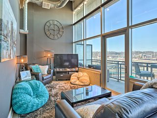 NEW! 2BR Cincinnati Condo w/ Breathtaking Views!