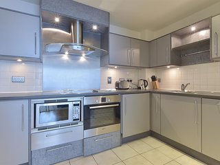 Apartment 1.5 km from the center of London with Internet, Lift, Washing machine