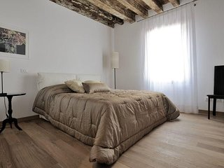 In the center of Venice with Internet, Air conditioning, Washing machine (360145