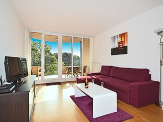479 m from the center of Berlin with Internet, Lift, Balcony, Washing machine (2