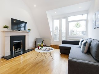 Apartment in London with Internet, Terrace, Washing machine (906744)