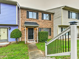 NEW! 3BR Durham Townhome - 15 Min to Downtown!