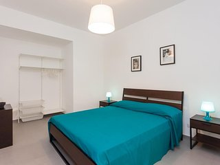 Apartment in the center of Naples with Internet, Air conditioning (631108)