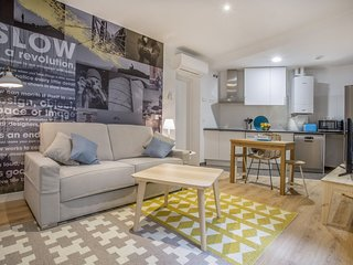 Apartment 482 m from the center of Madrid with Internet, Air conditioning, Lift,