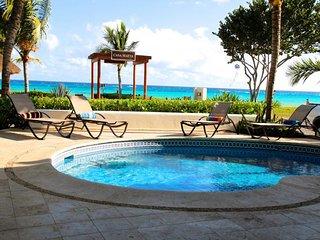 ❤ BREATHTAKING OCEAN VIEWS ❤ Private Maeva Villa Perfect for Families