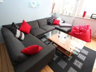 Apartment 793 m from the center of Hanover with Internet, Parking, Balcony, Wash