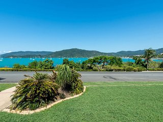 Gonetroppo- Airlie Beach (Pet Friendly)