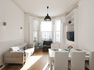 Apartment in London with Internet, Terrace, Washing machine (907259)