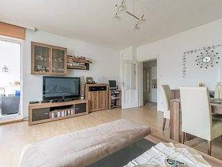 Apartment 921 m from the center of Hanover with Internet, Parking, Balcony, Wash
