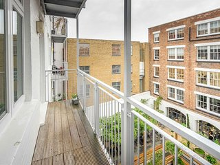 Apartment in London with Internet, Lift, Washing machine (740927)